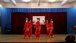 Udu raja mukhi Mriga Raja kadi, Women
