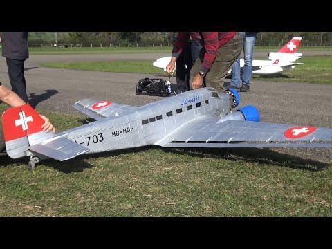Oma Autobahn Flugzeug Affoltern