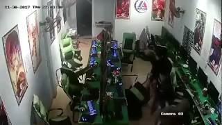 Camera quay chém giết tàn khốc trong quán game