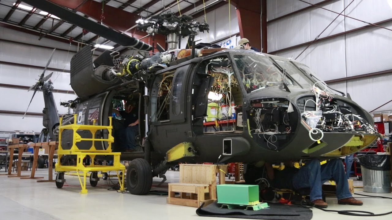 hight resolution of the u s army s uh 60v brings older black hawks into the digital age the drive