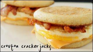 محلية الصنع McD بيضة McMuffins - كيفية جعل ساندويتش الخاصة بك