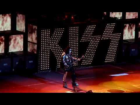 KISS - Hotter Than Hell - Detroit  2nd Night - Sonic Boom Tour