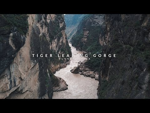 Tiger Leaping Gorge: Travel Guide and Tips (Cinematic Vlog) | Yunnan, China
