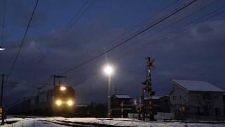 2011年12月17日夕方、配給列車(ワム80000/38両)が新潟貨物ターミナルを...
