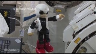How Is the First Robot Astronaut Enjoying Space?