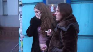 Две пьяненькие порядочные девушки