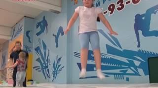 видео В чем польза от прыжков на батуте
