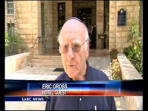 Israel frees 26 Palestinian prisoners before talks