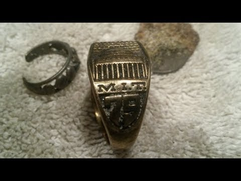 Minelab Equinox Finds Huge MIT GOLD Class Ring