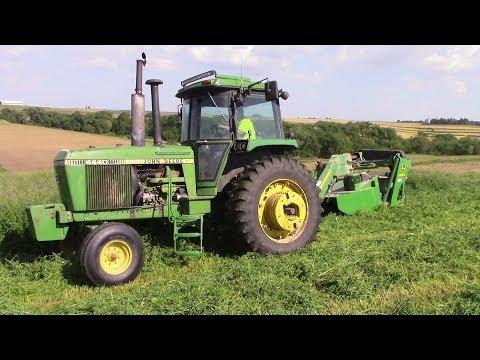 Iowa Dairy Boys John Deere 4440 Tractor & 835 MoCo