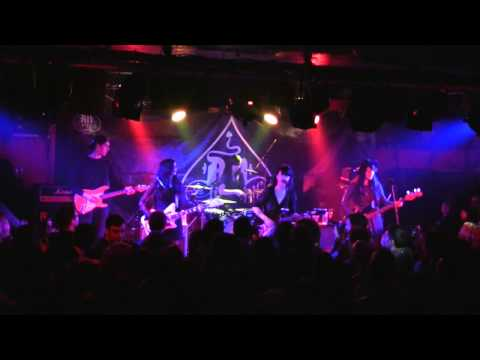 Dum Dum Girls - Bedroom Eyes (live @ AN Club)