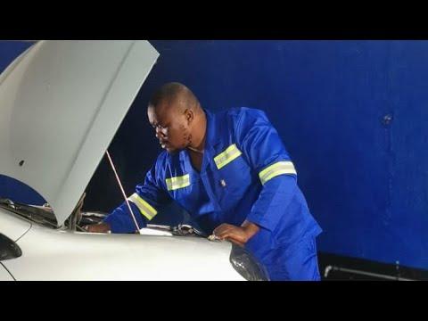 Download MAMBO DHUTERERE - KURIRA MUKUNDI (OFFICIAL VIDEO)