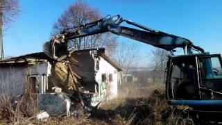 Rozbiórka rudery - budynku dawnej lodziarni w Brodach