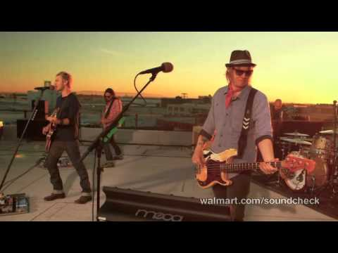 Lifehouse - Hanging By A Moment (Walmart Soundcheck)