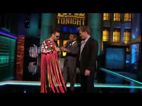 Chris Jericho sings on Lopez Tonight!