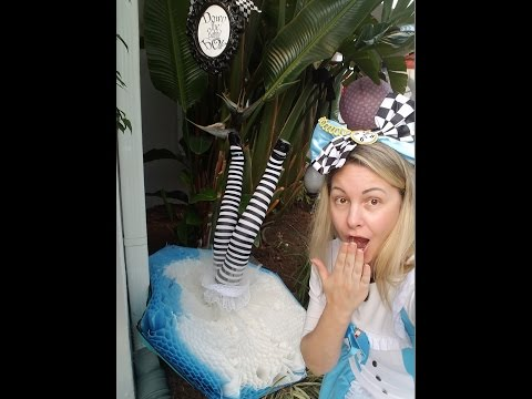Alice in Wonderland explosion - Outdoor party decoration