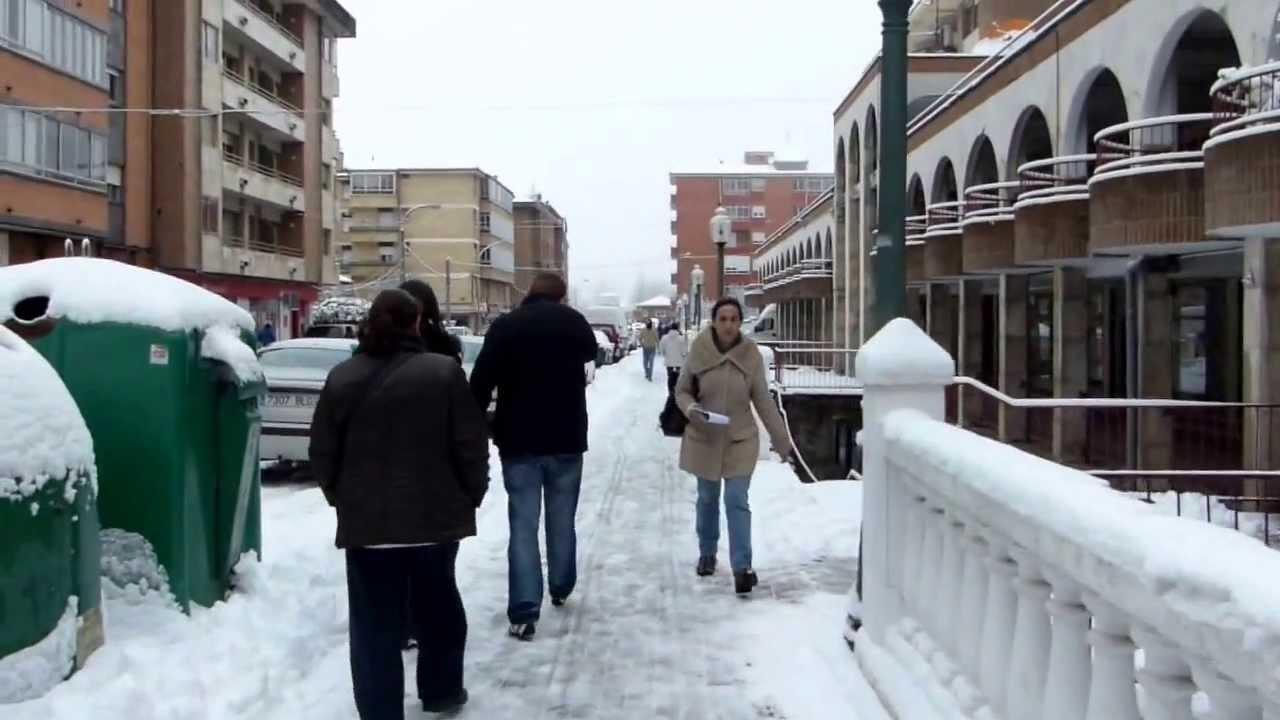 Ma ana de nieve en guardo palencia youtube - Albaniles en palencia ...