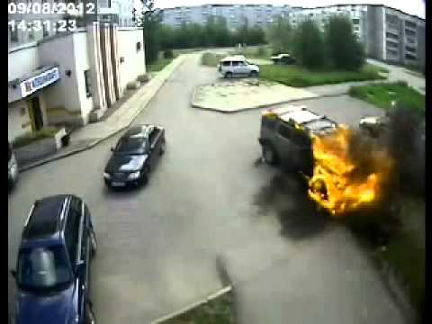 Arsonist Hummer H2 Car On Fire. Cherepovets, Russia