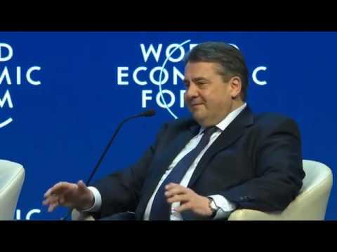 Sigmar Gabriel bezeichnet Deutsche als reich und hysterisch