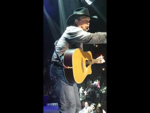 Garth brooks concert