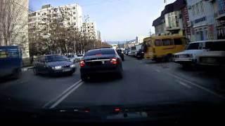 CLS 350 vs Lada.mp4