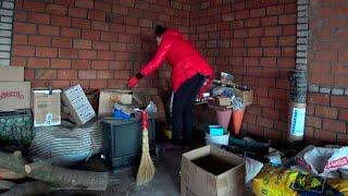 ВЛОГ: Уборка под навесом / Покупка продуктов / Почему отдала кроликов