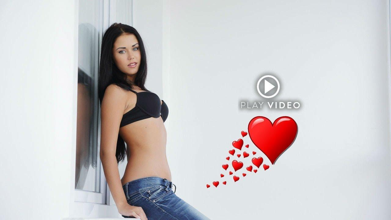 Красивые девушки раздеваются на улице видео 14