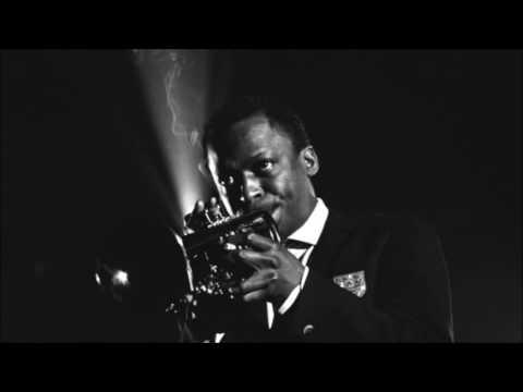 Moon Dreams - Miles Davis (1950)