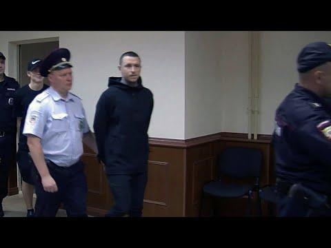 Суд выпустил из колонии по УДО футболистов Александра Кокорина и Павла Мамаева.