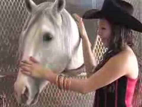 Esmeralda Rancho quinceañera -foto y video en fontana california usa.maquillaje y peinado