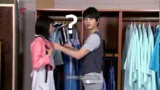 Trying on hanbok with Song Joongki.