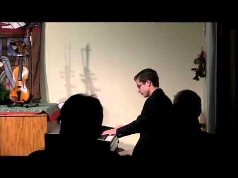 Carol of the Bells/God Rest Ye Merry Gentlemen Medley - Piano