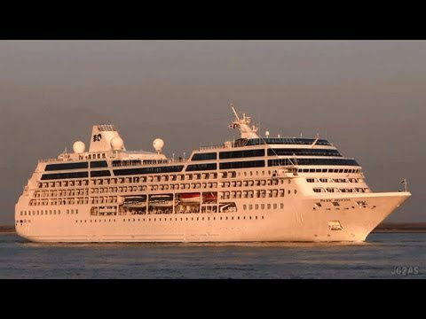 [船]PACIFIC PRINCESS Cruise ship Arriving OSAKA Port  大阪港入港 2013-MAR