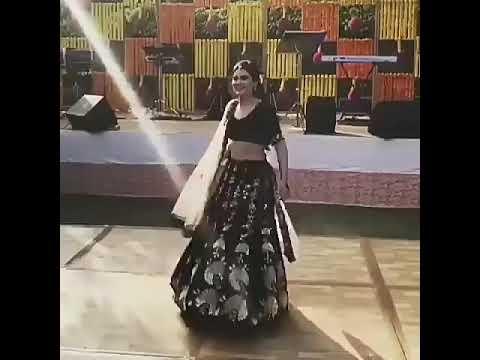 Indian Bride Dance on Chitta Kukkad - Neha...