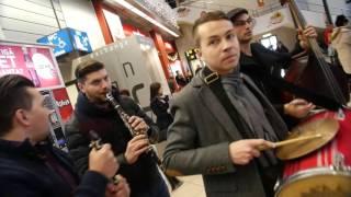 Bucovina Flash Mob - Otopeni Henri Coanda