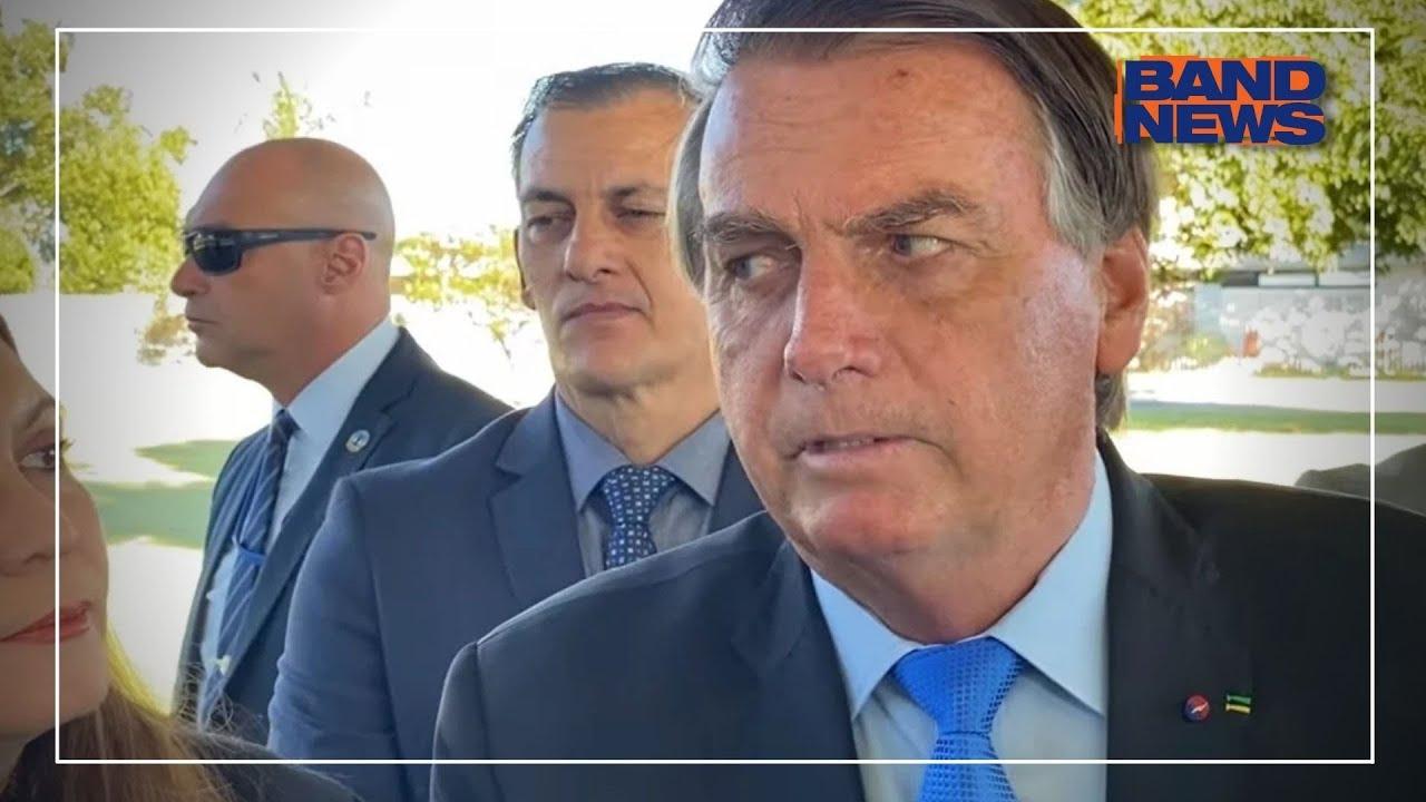 """Bolsonaro: """"Quem quer eleição suja é o ministro Barroso"""""""