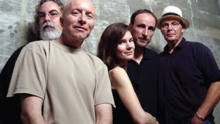 10,000 Maniacs - I Hope That I Don't Fall In Love With You