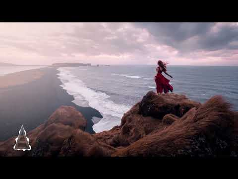 Flora Cash – You're Somebody Else (GeoM Remix)