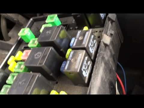 Fuse Engine Part likewise Fuses Junction Box Stratus also Fusepanel Of together with Chrysler Pt Cruiser Main Control Fuse Box Diagram additionally Expedition Fuses. on horn fuse on 2001 chrysler sebring
