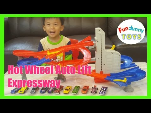 Hot wheels Auto lift Expressway Fun Funny Toys Review