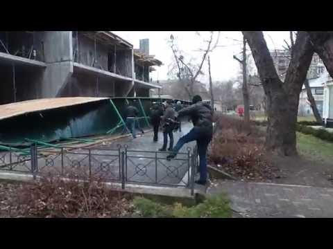 Кличко снова идет против киевлян на проспекте победы 71 а
