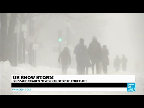 "US SNOW STORM - Blizzard spares New York despite forecast of ""snowageddon"""