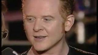 Simply Red - Ain't That A Lot Of Love (live)