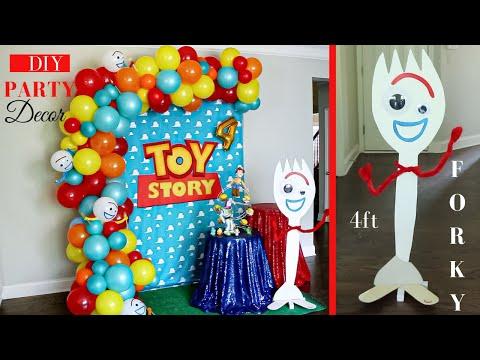 Toy Story 4 Party Decor Ideas | Forky DIY | Watch Me Set-Up!
