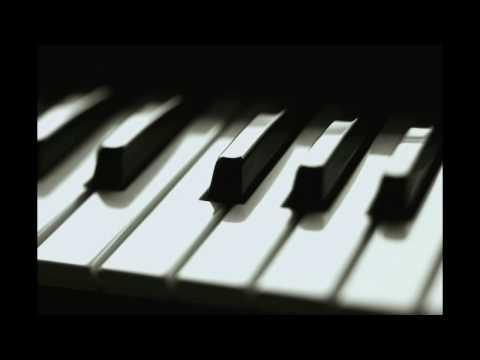 Christina Aguilera - Beautiful (Piano)