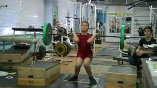 Кожевин Никита, 10 лет, вк 46 На грудь в сед  с пплинтов 30 кг Личный рекорд!  Новичок