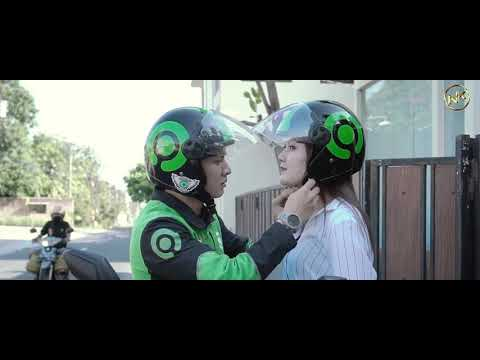 nella-kharisma-feat.-dory-harsa---banyu-moto-[official]