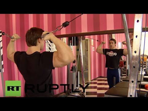 Russia: Arnie said he'd be back… but in Russia?  Meet Moscow's own Schwarzenegger-lookalike