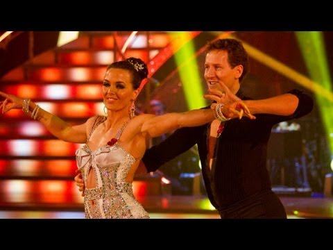Victoria Pendleton & Brendan Cole Samba to 'It's Not Unusual' - Strictly Come Dancing 2012 - BBC One