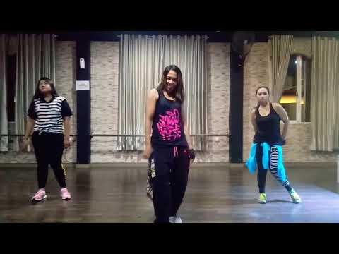 """Dangdut """" Goyang Nasi Padang By Duo Anggrek /Bintang Fitness Studio ,Sangatta ,KalTim"""